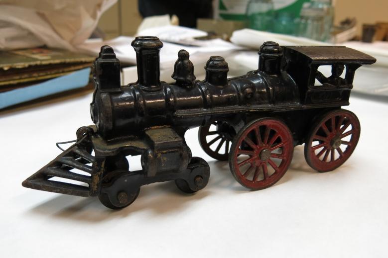 EMOH4 Toys-1