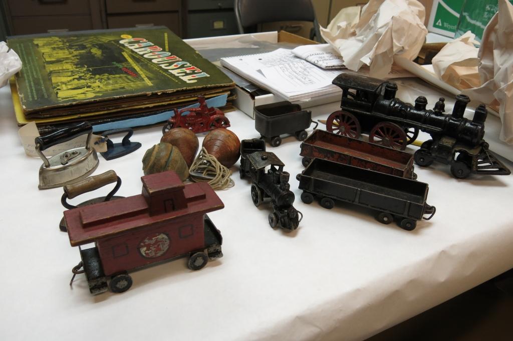 EMOH4 Toys-9