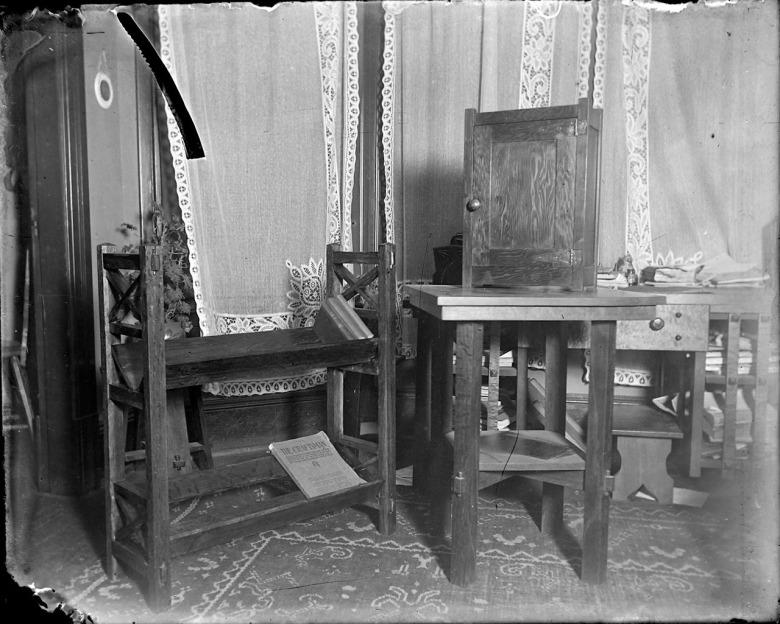 IMG_5795_Furniture_Stand_Bookshlf_CraftsmanMagazine_Curtains_Carpet